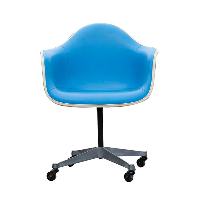 Herman Miller Blue Vinyl Shell Chairs - A Pair - Image 2 of 5
