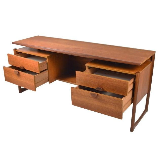"""Vintage G Plan """"Quadrile"""" Teak Desk - Image 3 of 5"""