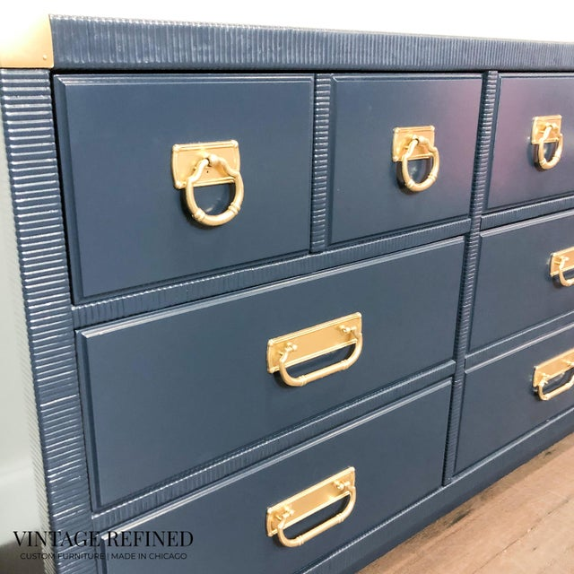 1960s 1960s English Traditional Navy Lacquer Drexel Dresser For Sale - Image 5 of 7
