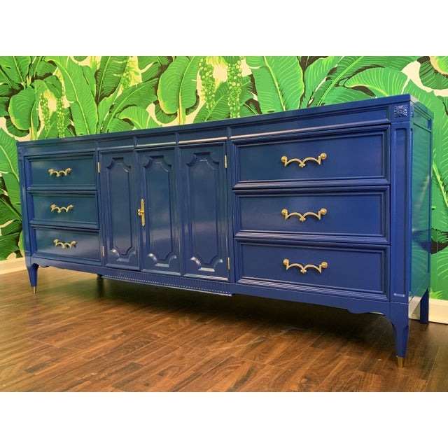 Mid-Century Nine Drawer Dresser by American of Martinsville For Sale - Image 9 of 9