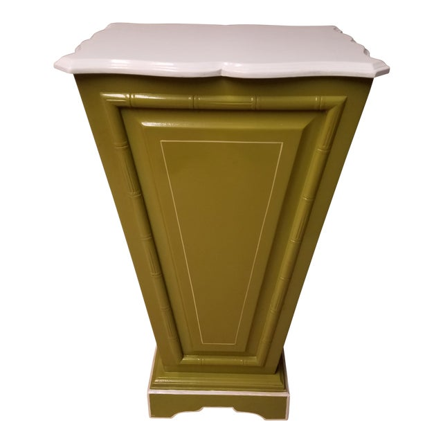 Palm Beach Regency Lime & White Painted Wood Sculpture Pedestal or Plant Stand With Faux Bamboo Trim - Image 1 of 8
