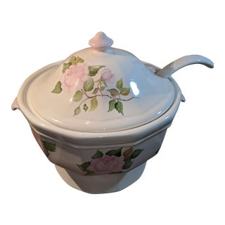 Pfaltzgraff White Heritage Soup Tureen & Ladle Artist Signed For Sale