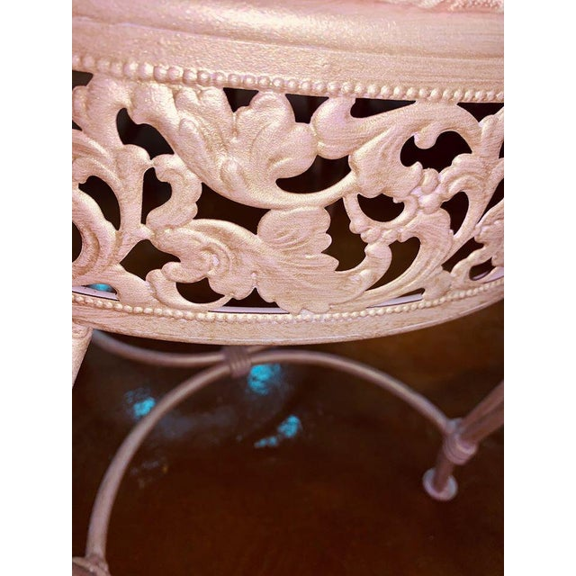 French 1970s Vintage Pink Damask Pearlescent Vanity Stool For Sale - Image 3 of 6