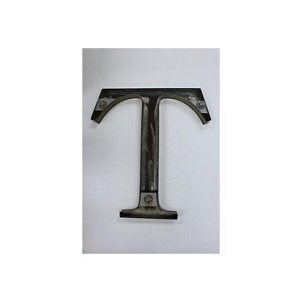 "Vintage Metal English Pub Sign Letter ""T"" - Image 3 of 3"