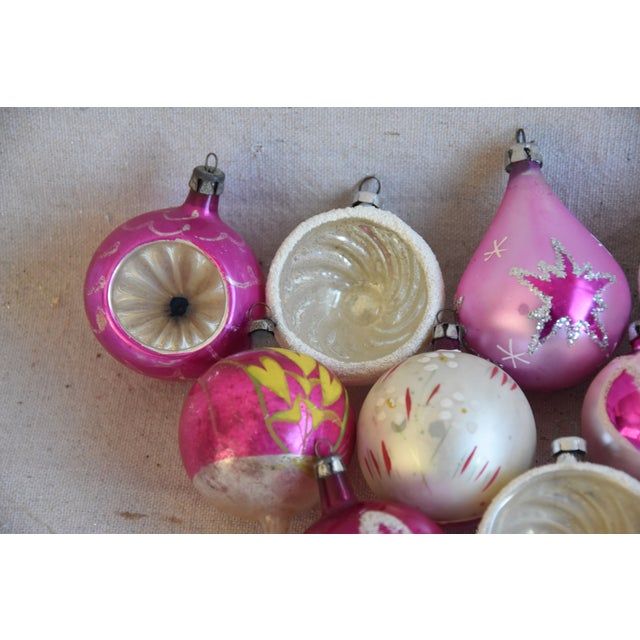 Mid 20th Century Pretty Vintage Pastel Christmas Tree Ornaments W/Box - Set of 12 For Sale - Image 5 of 9