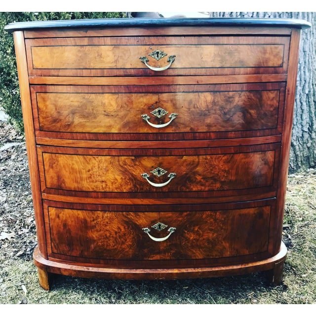 1850 American Classical Chest of Drawers For Sale - Image 4 of 11