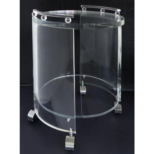 Mid-Century Modern Round Lucite Bar Cart on Casters For Sale - Image 3 of 11
