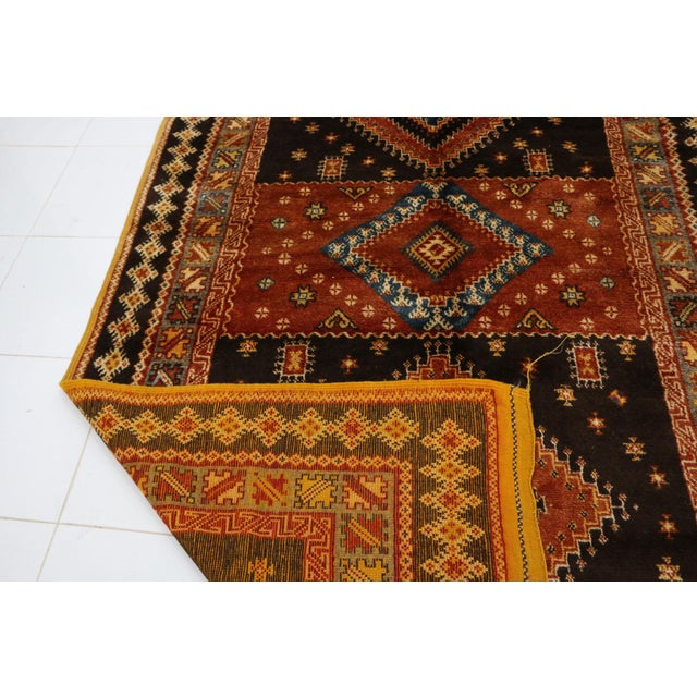"""1970s Taznakht Moroccan Rug, 5'1"""" X 8'9"""" Feet For Sale - Image 5 of 6"""