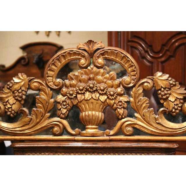 French 18th Century French Carved Gilt and Glass Wall Hanging For Sale - Image 3 of 9