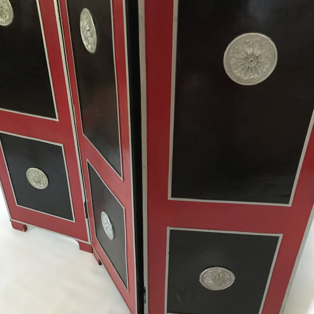 1950s Hollywood Regency Red Lacquer Room Divider For Sale - Image 5 of 13