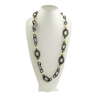 Mod Italian Resin Statement Chain Necklace For Sale