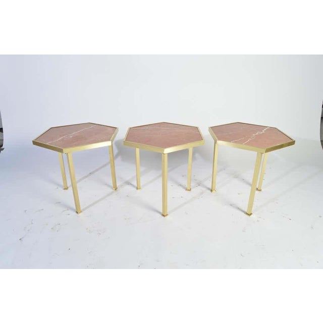 """1950s Rojo Alicante Marble and Brass Occasional Tables by William """"Billy"""" Haines - Set of 6 For Sale - Image 5 of 11"""