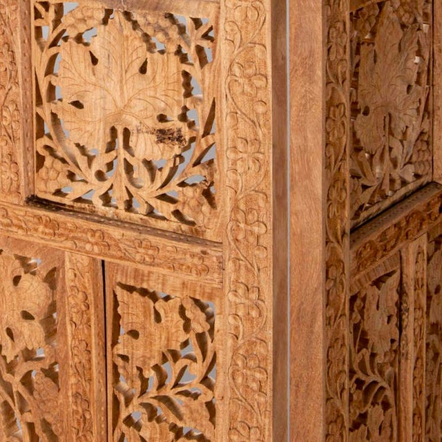 Anglo-Indian 19th Century Anglo-Indian Elaborately Carved Four Panel Screen For Sale - Image 3 of 7