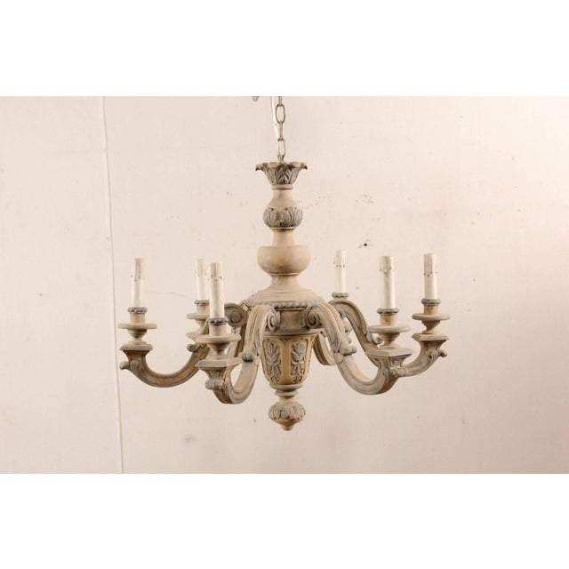 French French Vintage Carved & Painted Wood Six-Light Chandelier in Light Beige & Grey For Sale - Image 3 of 9