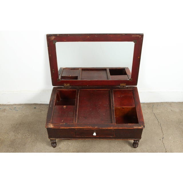 19th Century Gentlemen's Shaving Chest For Sale In Los Angeles - Image 6 of 8