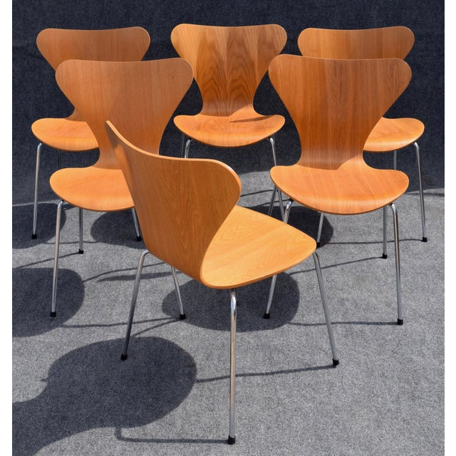 Chrome Vintage Arne Jacobsen by Fritz Hansen Danish Modern Series 7 Chairs - Set of 6. For Sale - Image 7 of 11