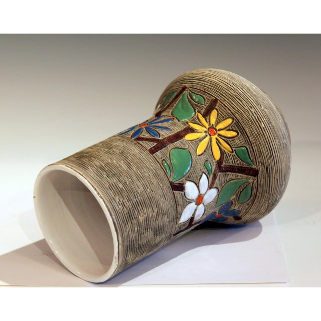 Fratelli Fanciullacci Vintage Italian Art Pottery Textured Incised Blossom Raymor Vase For Sale - Image 4 of 10
