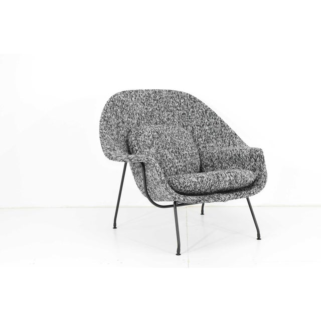 Textile Eero Saarinen for Knoll Womb Chair and Ottoman For Sale - Image 7 of 12