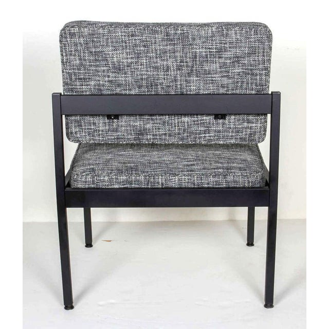Black Pair of Mid-Century Modern Tweed Industrial Chairs in the Style of Knoll For Sale - Image 8 of 11