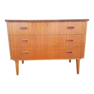 Danish Mid Century Modern Teak Chest of 3 Drawers For Sale