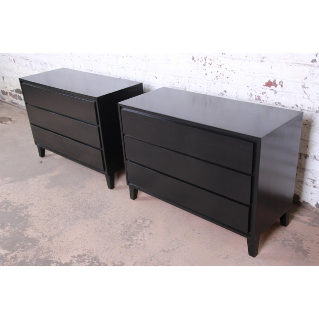 Conant Ball Russel Wright for Conant Ball American Modern Ebonized Three-Drawer Bachelor Chests / Nightstands - a Pair For Sale - Image 4 of 9