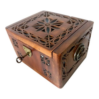 1950s Vintage Sue Corbett American Folk Art Wood Box For Sale