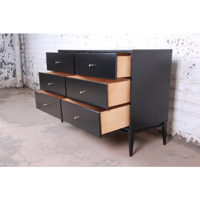 1950s Paul McCobb Planner Group Mid-Century Modern Black Lacquered Six-Drawer Dresser, Newly Restored For Sale - Image 5 of 13