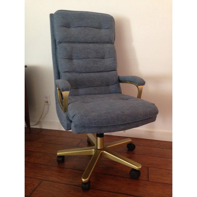 Wow amazing is this vintage office chair?! This chair was made in 1982 by La-Z-boy, so not only is it gorgeous but it's...