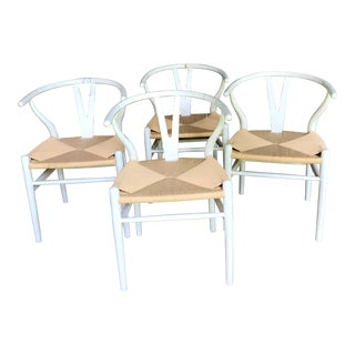 1970s Vintage White Wishbone Chairs - Set of 4