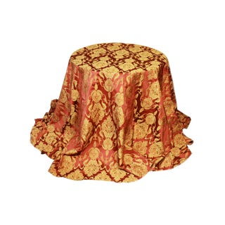 Damask Hand Sewn Round Bordeaux and Gold Table Cloth For Sale