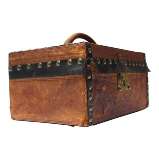 1920s Saddle Leather Travel Case For Sale