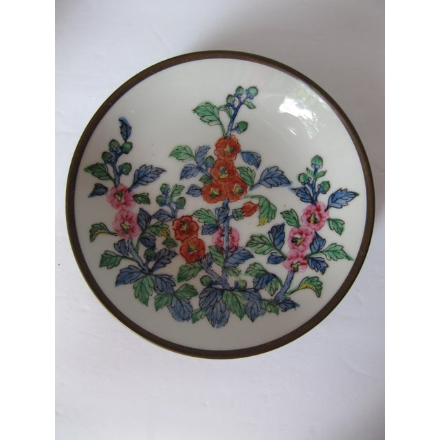 Chinoiserie Flower Plate With Brass For Sale - Image 4 of 4