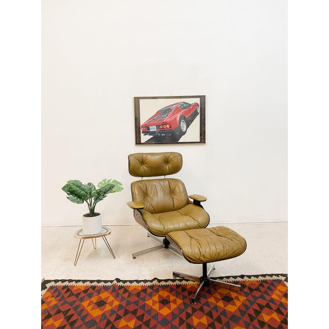 A classic vintage Plycraft chair that you can't go wrong with. This iconic chair has its original leather upholstery....