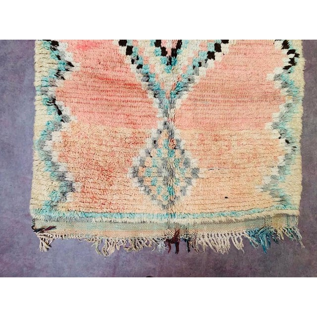 Textile 1970s Vintage Moroccan Beni Ourian Rug-3′12″ × 8′6″ For Sale - Image 7 of 11