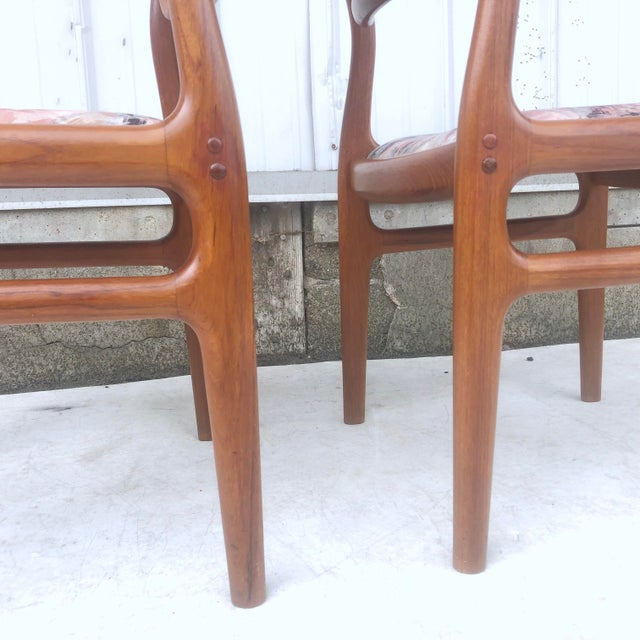 Mid-Century Modern Sculpted Teak Dining Chairs- Set of Four For Sale In New York - Image 6 of 13
