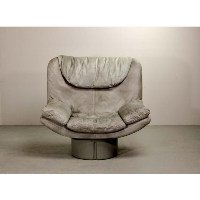 Eye-Catching Mid-Century Italian Design Grey Leather Lounge Chair by Ammanati & Vitello, 1970s For Sale - Image 12 of 12
