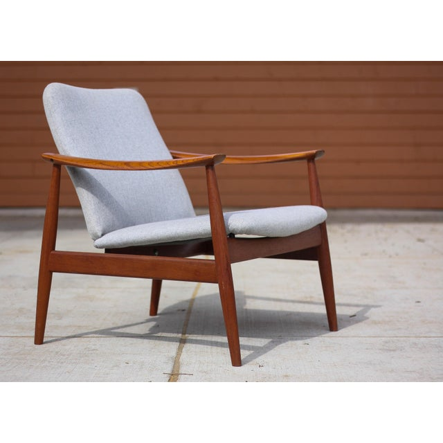 France and Son 1950s Mid-Century Modern Finn Juhl Model Fd 138 Lounge Chair For Sale - Image 4 of 12