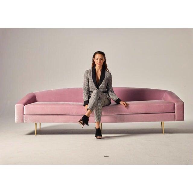 Mid-Century Modern Pink Velvet Sofa For Sale - Image 4 of 6