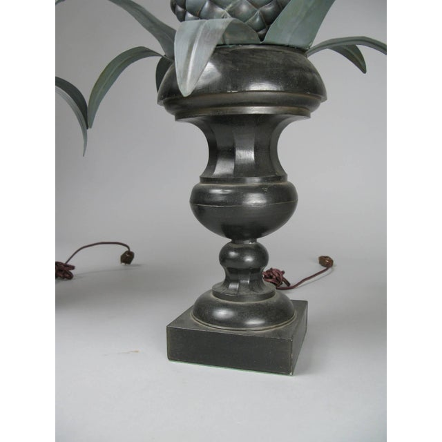 Hollywood Regency Vintage Pair of Large Pineapple Form Lamps For Sale - Image 3 of 6