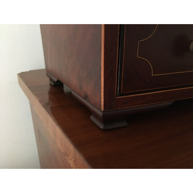 Early 19th Century 1800-1810 Antique Federal Mahogany Bow Front Dressing Glass For Sale - Image 5 of 11