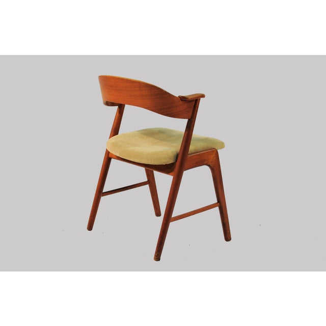 1960s Vintage Danish Teak Model 32 Dining Chairs - Set of 8 For Sale In Madison - Image 6 of 9