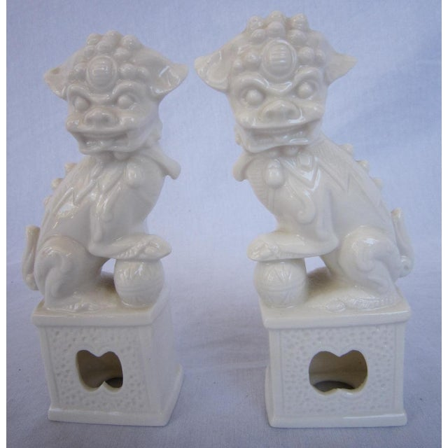 Vintage White Foo Dogs - A Pair - Image 2 of 5