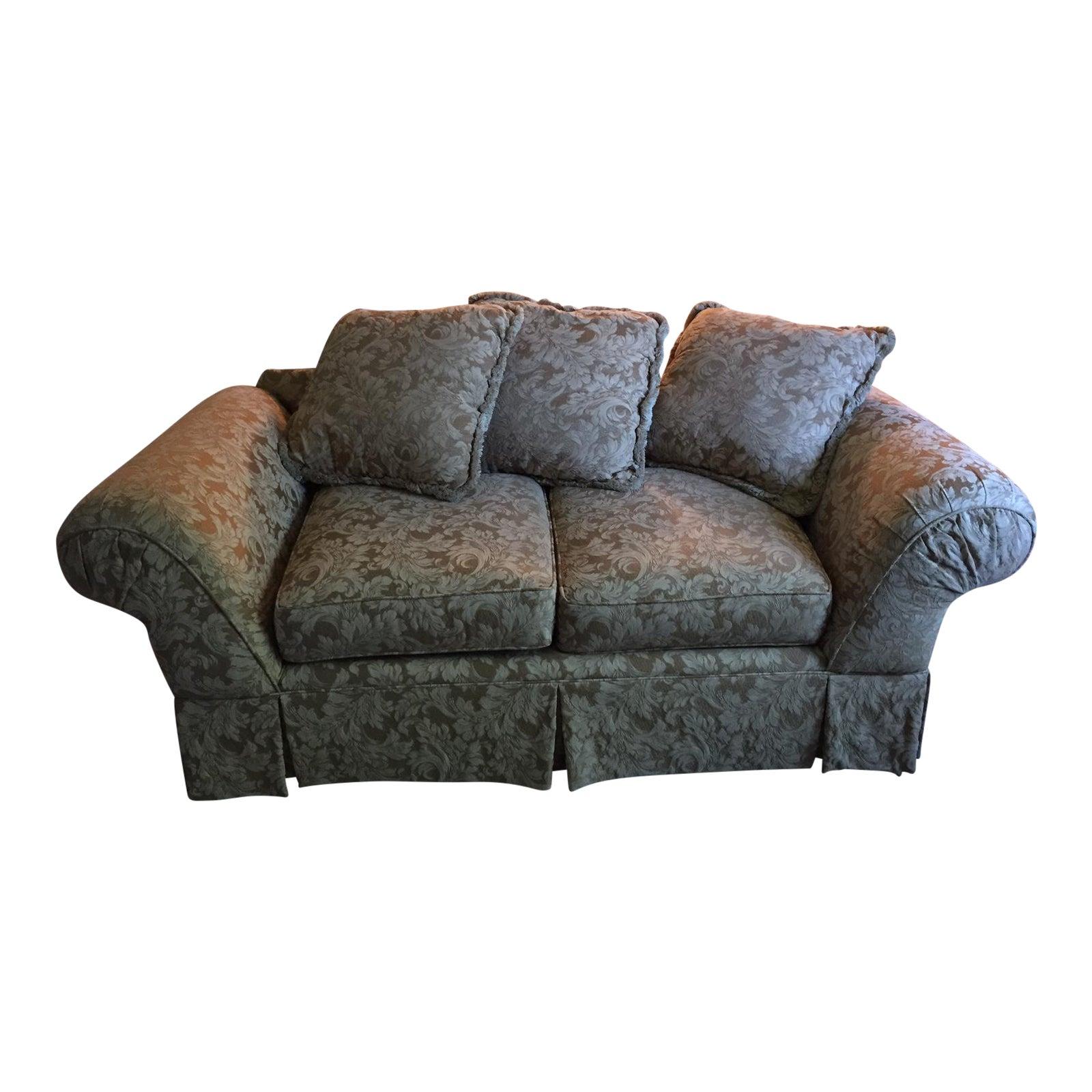 Enjoyable Hickory Hill Small Sofa Loveseat Machost Co Dining Chair Design Ideas Machostcouk
