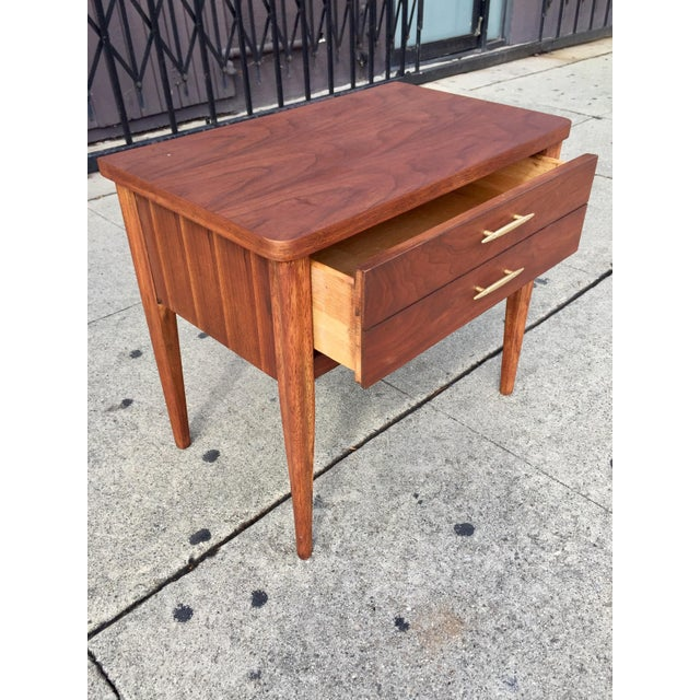 Mid-Century Broyhill End Table - Image 4 of 10