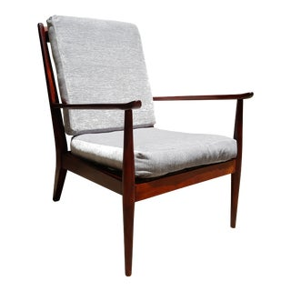 Scandinavian Mid-Century Modern Easy Chair