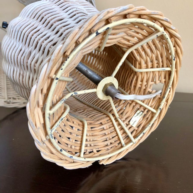 Mid-Century Modern Vintage White Wicker Table Lamp For Sale - Image 3 of 5