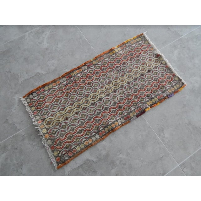Small Miniature Rug 18.5'' X 33.5'' / 47x86cm Hand woven with high quality pure wool Excellent condition From TURKEY Works...