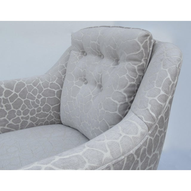 White Final Markdown -Dorothy Draper Hollywood Regency Club Chair With Giraffe Chenille For Sale - Image 8 of 13