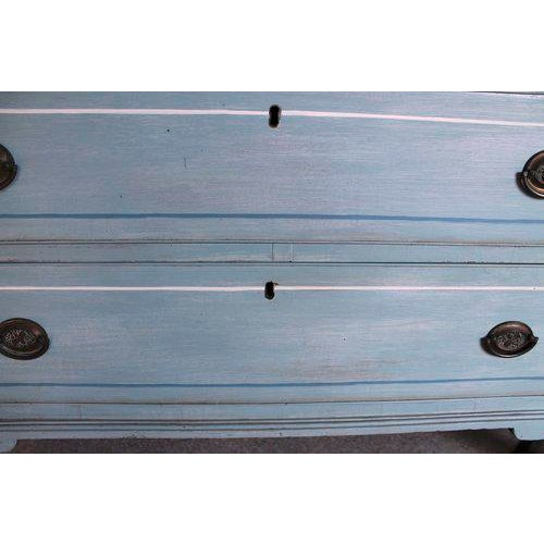 American Blue Painted Federal Chest of Drawers on French Feet - Image 8 of 11