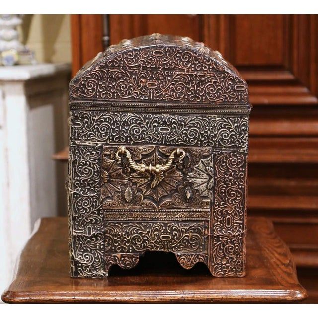18th Century Spanish Gothic Repousse Silver and Gilt Copper Bombe Treasure Chest For Sale In Dallas - Image 6 of 13